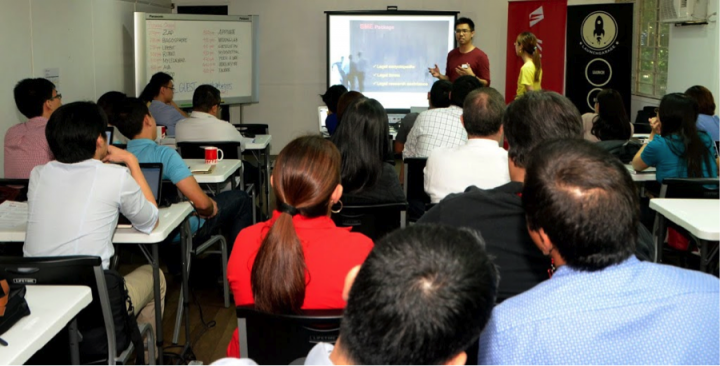 My Legal Whiz founders Dexter Feliciano and Katrina Chua pitching for business and commercial deals with Globe and Ayala executives in Kickstart's Deal Day with corporations. Photo credit: Stephen Militante via The Philippine economy's secret weapon: Area 55.
